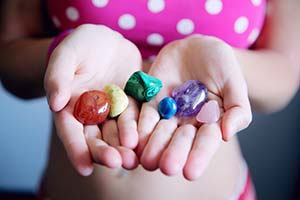 Händer-med-stenar